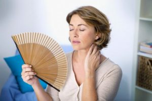 درمان عوارض یائسگی نرمال با طب سوزنی و لیزرآکوپانکچر گوش